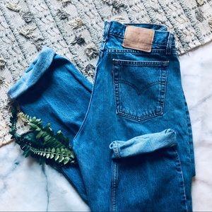 Levi's Vintage 560 Straight Leg Mom Jeans (10)